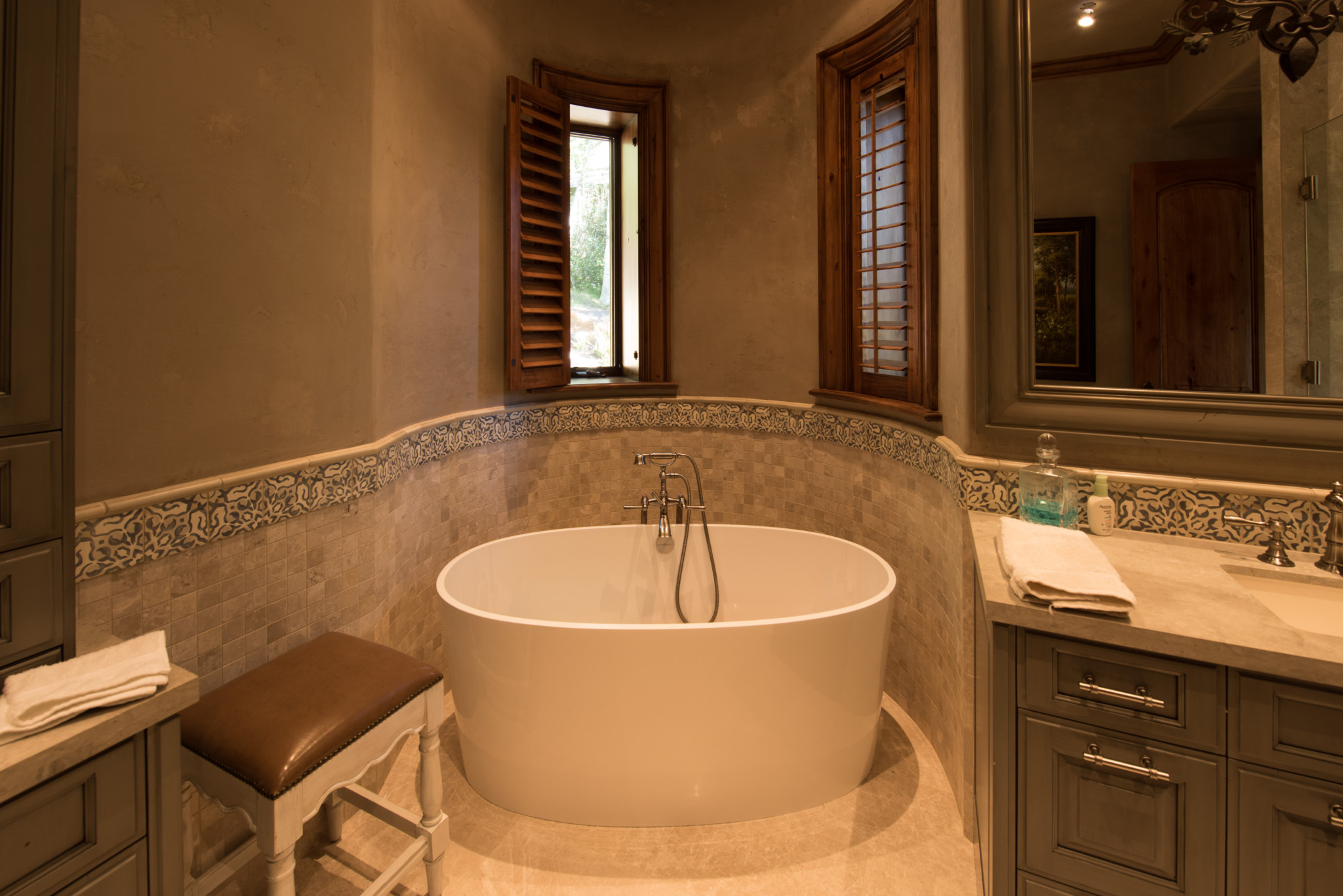 Beaver-Creek-Chateau-custom-freestanding-bathtub-with-tile-surround ...