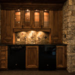 Beaver-Creek-mountain-modern-wet-bar-in-stone-veneer